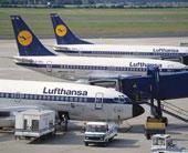 Lufthansa vliegtuigen geparkeerd